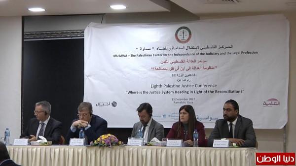 فيديو: مركز (مساواة) يعقد مؤتمر استقلال المحاماة وسيادة القانون