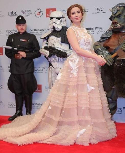 إطلالة نسرين طافش مسك ختام مهرجان دبي السينمائي