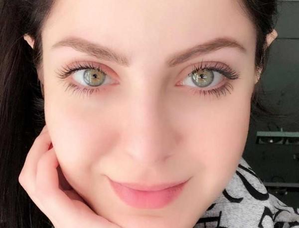 """ملكة جمال سوريا تنشر""""فيديو"""" رداً على من يشكك بجمال عيونها"""