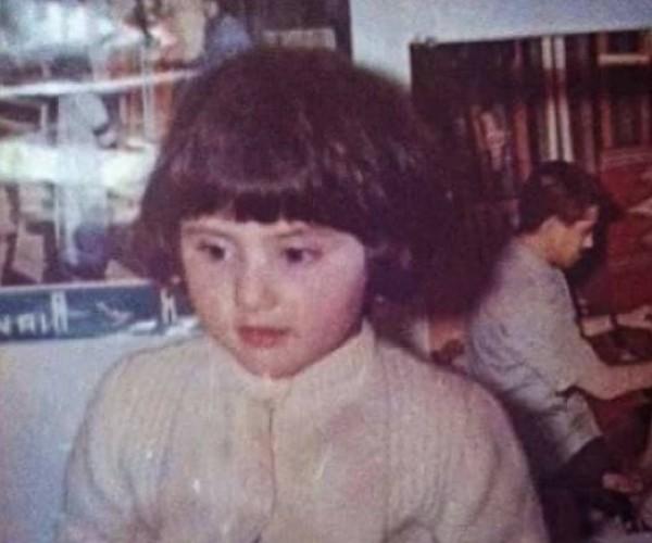 هذه الطفلة أصبحت نجمة سورية فاتنة