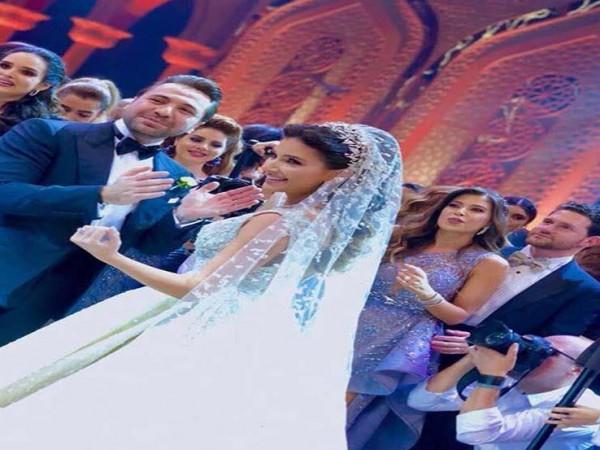 215b42e400399 صور  حفل زفاف خيالي لابنة أسرة سعودية معروفة بتجارة الذهب
