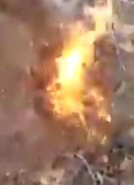 فيديو: ظاهرة فريدة من نوعها.. نيران تحرس موقعاً للذهب بالأردن