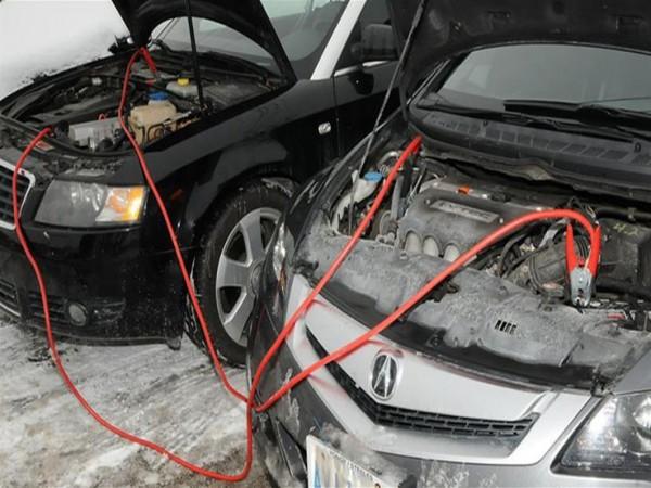 10 خطوات هامة لإعادة تشغيل بطارية سيارتك بنجاح في الشتاء