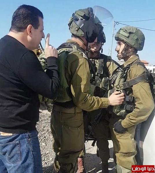الاحتلال يمنع النائب ايمن عودة من دخول النبي صالح