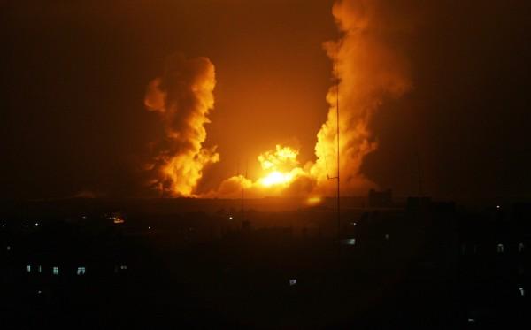 طائرات الاحتلال تستهدف نفقاً تجارياً بين مصر وغزة