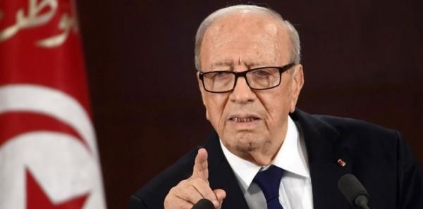 """السبسي يتهم الصحافة الأجنبية بـ""""التهويل"""" خلال الاحتجاجات الأخيرة بتونس"""