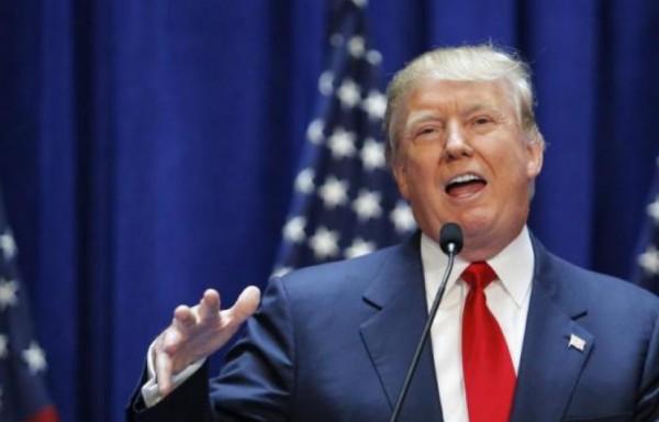 """المطالبة بفرض قيود على وصول ترامب إلى """"الزر النووي"""""""