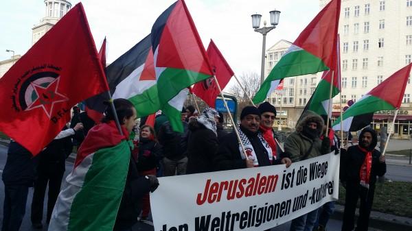 أنصار الديمقراطية يشاركون بالمسيرة اللأممية لتكريم المناضلين الأمميين في برلين