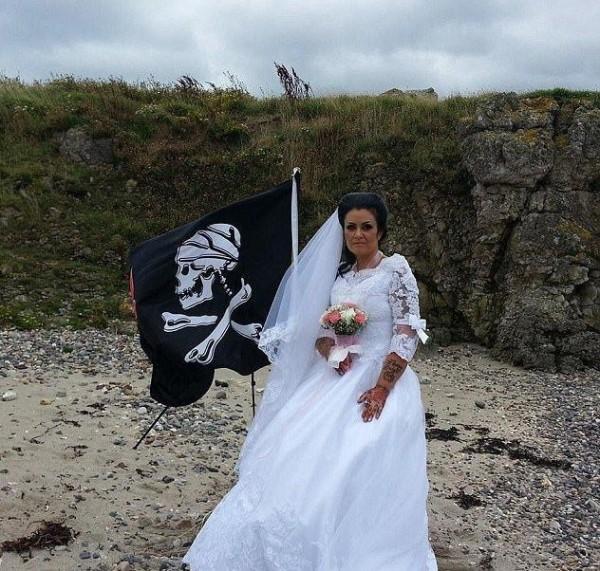 هل هذا أغرب زفاف في العالم لن تتخيل من هو العريس