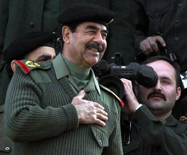 قصة حب صدام حسين عبر الإنترنت