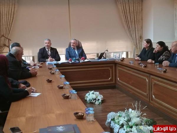 بلدية أيوب باستانبول تمنح الأسير مروان البرغوثي شهادة مواطنة شرف