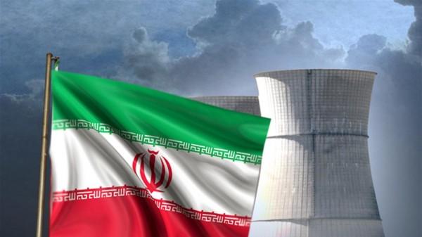 """مستشار إيراني: زواحف """"غريبة"""" تتجسس على برنامجنا النووي"""