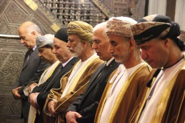 وزير خارجية عُمان يزور الخليل