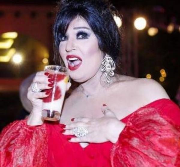 صور فيفي عبدو تشعل السوشيل ميديا بمجموعة فساتين حمراء