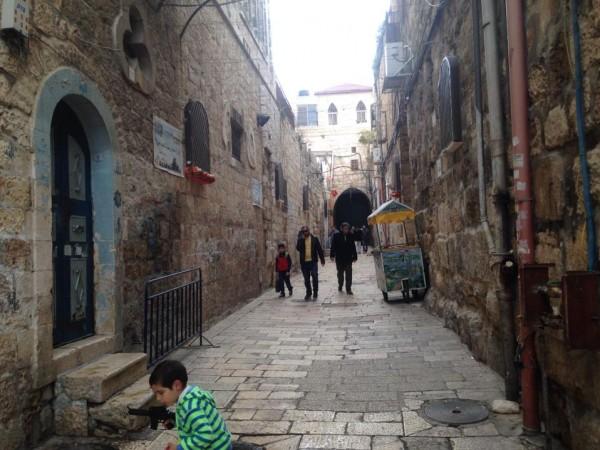 الاحتلال يصعد من إجراءاته... إغلاق باب حطة بالبلدة القديمة