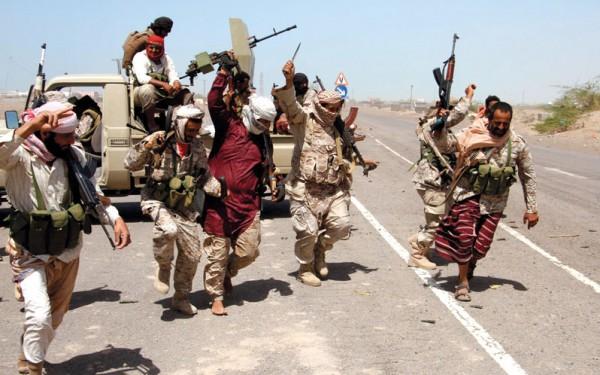 مصرع جندي إماراتي وثلاثة يمنيين في هجوم للحوثيين