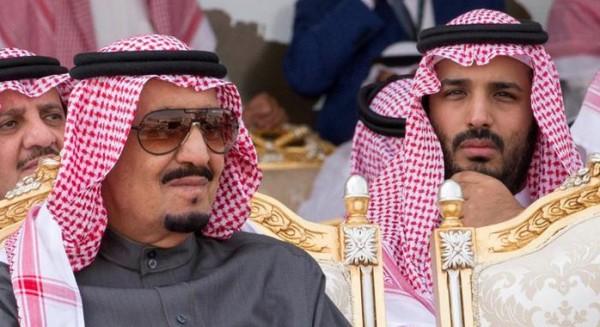 ماذا بحث الملك سلمان وولي عهده مع المسؤولين الأمريكيين بالرياض؟