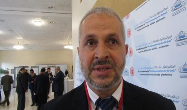 النائب عبد الجواد يتعرض لتعذيب وحشي بسجون الاحتلال