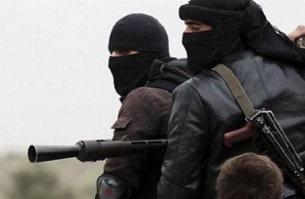 """فيديو: هجوم تنظيم الدولة على مناطق """"هيئة تحرير الشام"""" بمخيم اليرموك"""