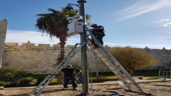 الاحتلال يستكمل وضع ثلاثة أبراج مراقبة في باب العامود