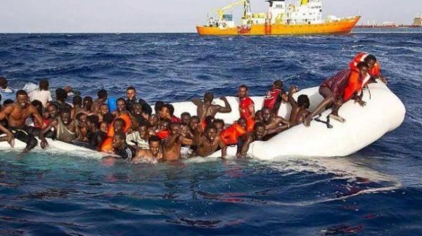 انتشال مئات المهاجرين ليبيا وإيطاليا 9998879559.jpg
