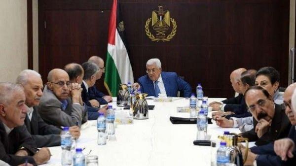 الرئيس عباس: أي عضو بالقيادة الفلسطينية يسيء للدول العربية سيتعرض  للمساءلة