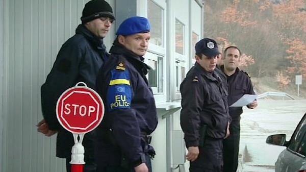 مقتل شخص وإصابة اثنين فى إطلاق نار بشركة في بلغراد
