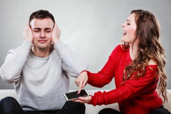 """فيديو: """"نبرة"""" صوتك تهدد حياتك الزوجية"""