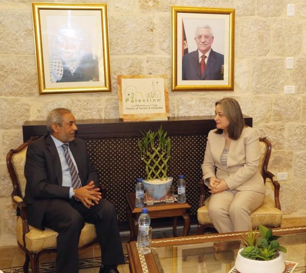 فلسطين وجنوب افريقيا تبحثان التعاون السياحي المشترك
