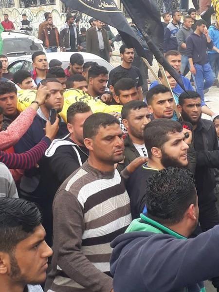 مقاتلو كتائب المقاومة الوطنية يشاركون في تشييع الشهيد الصياد أبو ريالة