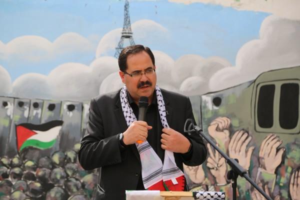 """الوزير صيدم يفتتح جدارية """"ملتقى الياسر"""" الثقافي"""