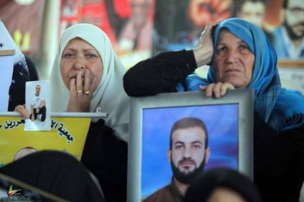 17 من أهالي أسرى غزة يتوجهون لزيارة أبنائهم في (رامون)