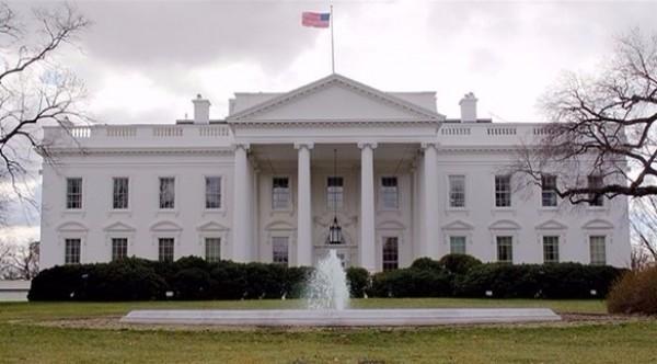 البيت الأبيض يُندد بتصريحات الرئيس عباس بحق سفير أمريكا في إسرائيل