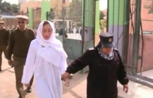 فيديو: ريهام سعيد تنهار بعد رفض المحكمة اخلاء سبيلها