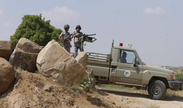 """مقتل جنديين سعوديين بعمليتي قنص لـ""""أنصار الله"""" في عسير"""