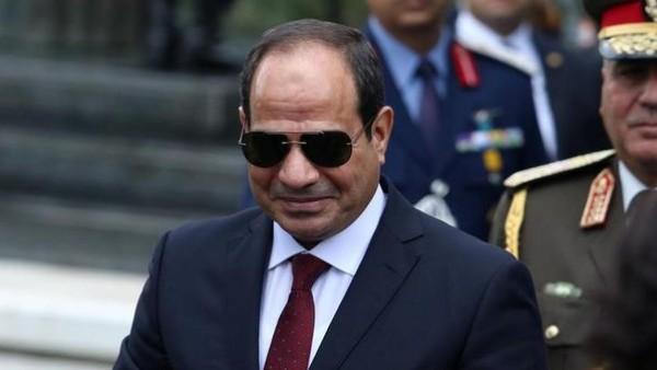 فيديو: الرئيس المصري يكشف سراً يحمله منذ الصغر
