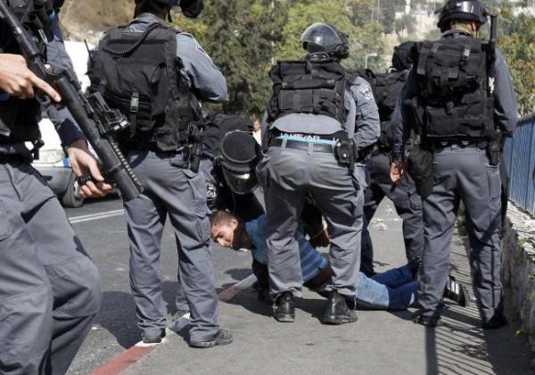 الاحتلال يعتقل 3 مقدسيين من العيسوية