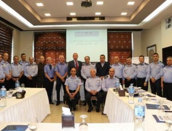الشرطة تفتتح دورة التدريب الإداري لمراكز الإصلاح والتأهيل في رام الله