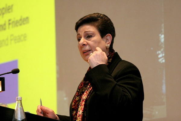 عشراوي: موقف منظمة التحرير ثابت في الدفاع عن حقوق الأسرى