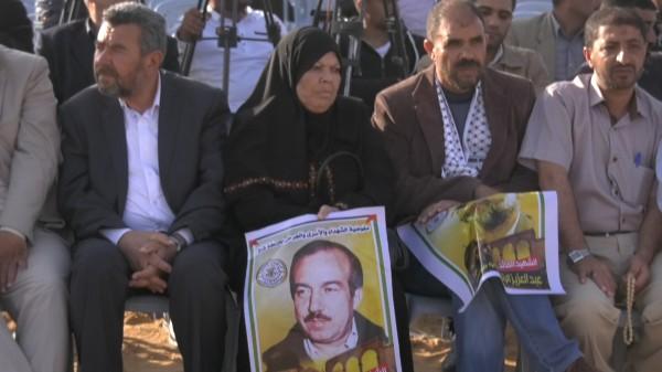 حركتا حماس وفتح تتوحدان في تأبين الشهيدين الرنتيسي والوزير