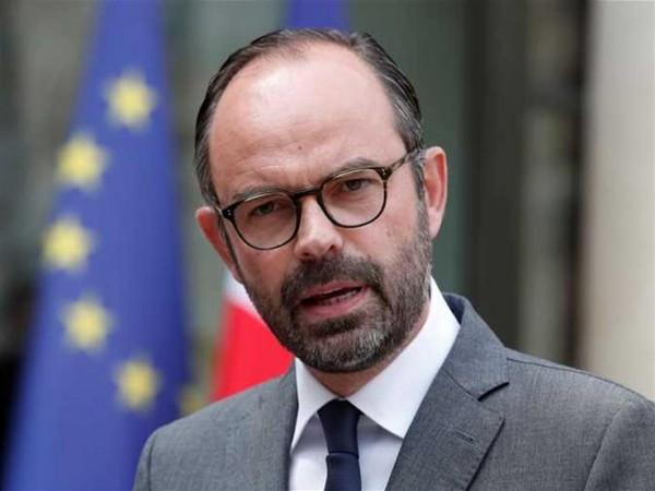 رئيس وزراء فرنسا: عدونا تنظيم الدولة وليس دمشق