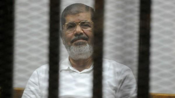 اليوم.. محكمة جنايات القاهرة تستكمل محاكمة مرسي في قضية (اقتحام السجون)