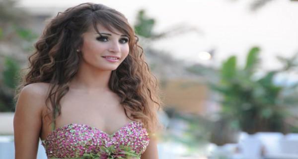 فيديو: مايا نعمة تمارس الرياضة بفستان قصير