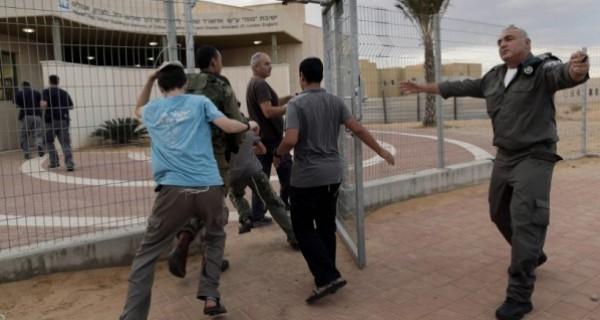 القناة 12: سُكان غلاف غزة عبروا عن مخاوفهم من يوم النكبة