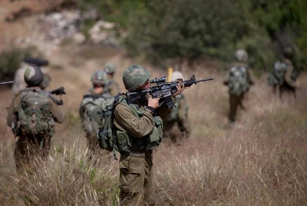 الاحتلال يُطلق النار صوب المناطق الشرقية لبلدة خزاعة شرقي خانيونس