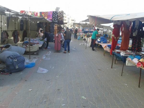 بلدية النصيرات توجه عمالها بتنظيم السوق الأسبوعي