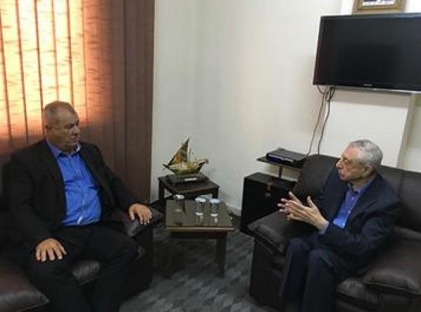 حواتمة يجتمع مع محمد بركة رئيس الهيئة العربية العليا