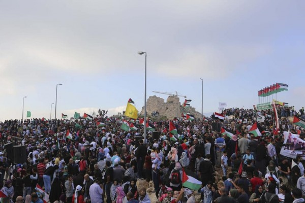 صور: آلاف الفلسطينيين يشاركون في مسيرة العودة بلبنان
