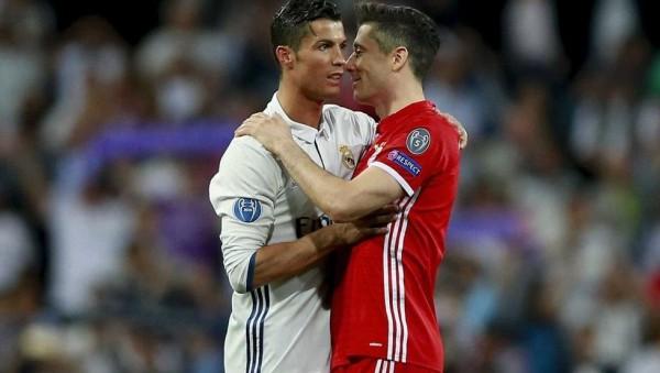 ليفاندوفيسكي يعقد اجتماعًا سريًا مع وكيله بسبب ريال مدريد