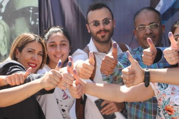 انتخابات في المخيمات.. واللاجئون يقترعون لصالح الامن والاستقرار